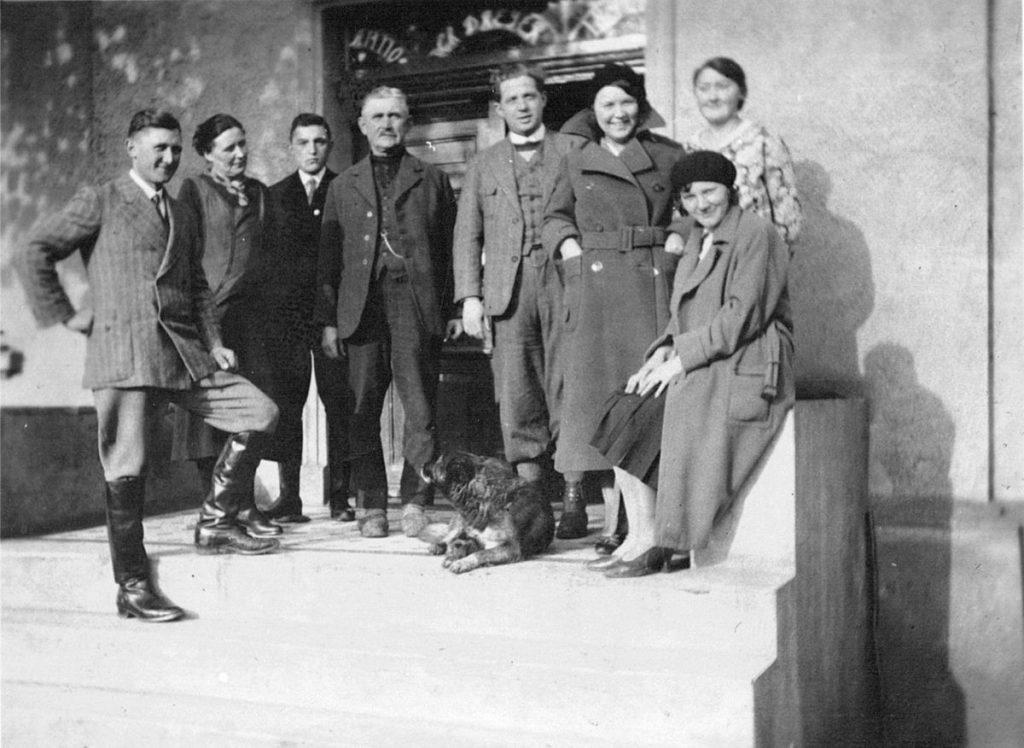 Familienbild Dreyer: ganz links Wilhelm Dreyer, Vierter von links Emil Dreyer